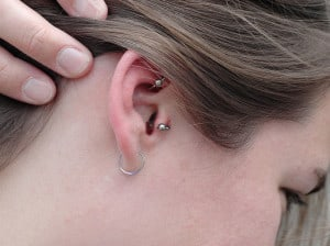 how-to-treat-an-infected-ear-piercing