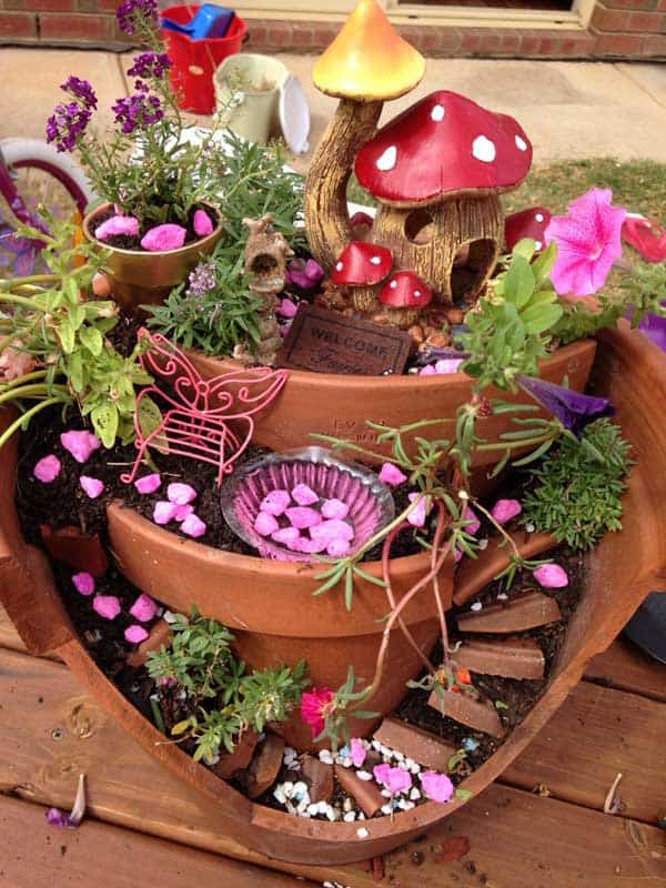 Best 25 Broken Pot Fairy Garden Ideas To Recreate